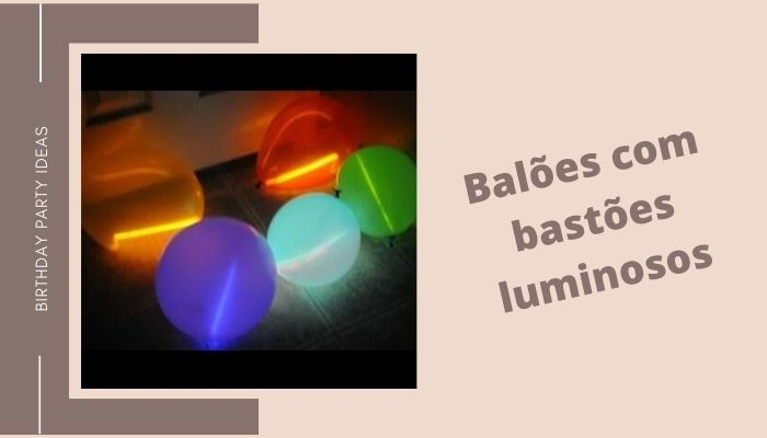 Baloes com bastoes luminosos